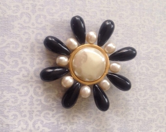 Vintage AnnTaylor black and faux pearl beaded flower brooch