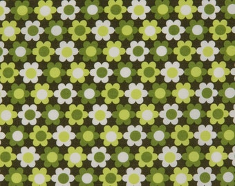 Robert Kaufman OOP Fabric  -  Kitchy Kitchen Collection  -  Daisy Print 3912 in Green  -  One Yard