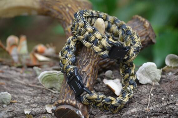 Paracord bracelet, camo, survival gear