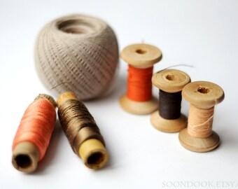 Soviet sewing thread bobbins Set of 5+1 Vintage thread spools Russian embroidery floss cotton thread Craft room decor Sewing studio decor