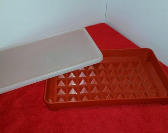 Vintage tupperware hot dog keeper / tupperware hot dog container / tupperware paprika red / tupperware freezer #1292 and #1293