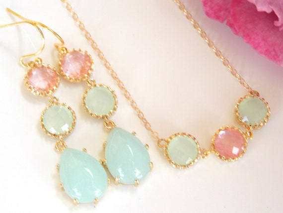 Pretty jewelry set in gold, coral, and mint