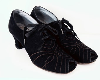 HOLIDAY SALE - Incredible 1930s Art Deco peep toe high heels