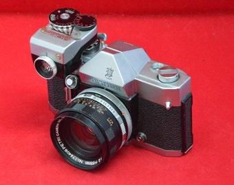 Petri V II with 55 mm f 2.0 lens