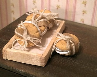 1: 12 Scale Miniature Snickerdoodle Ice Cream Sandwiches