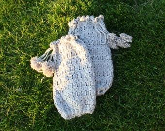Leg Warmers with Pom Poms. Crochet Pattern