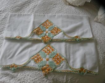 Lovely Victorian Hand Crochet Pillowcase Pair