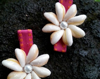 Cowry shell flower and pearl hair clip cowrie-shell hair clip-beach hair clip-flower hair clip-hawaiian hair clip-sea shell hair clip-