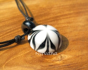 Groovy Black & White Flower Pendant in Pyrex Glass 1 Piece with Black Waxed Linen Adjustable Cord (Free Shipping from Thailand)!!!