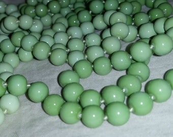 Green Ombre Vintage Necklace