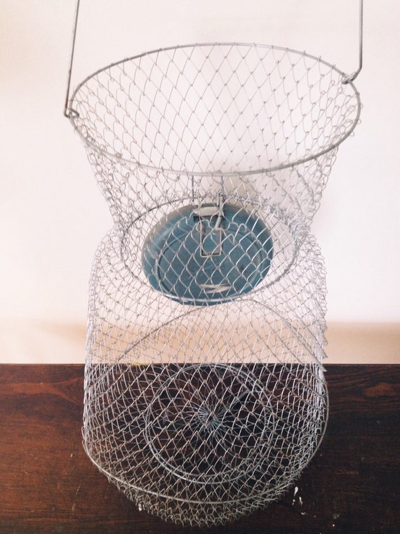 Large vintage wire fish basket for Fish wire basket