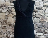 Black cashmere knit top, sleeveless, deep cleavage, under bust cut, black lace trim, hippie maillot, small size, women's vintage fashion
