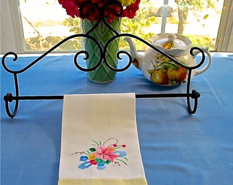 Vintage 1940's White Tea Towel with Floral Applique (2/3)