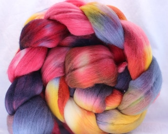 Hand dyed merino roving, Red / blue / yellow roving, merino wool roving, commercial top, spinning fiber, spinning fibre 4 oz