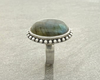 Labradorite Boho Ring - Sterling Silver Ring, Rope Ring, Oval Stone, Green Labradorite with Rainbow Highlights, Ethnic Tribal Statement Ring