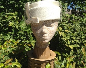 Ivory Wool And Satin Pillbox Wedding Hat Made By Sonni California Size 22 1/2