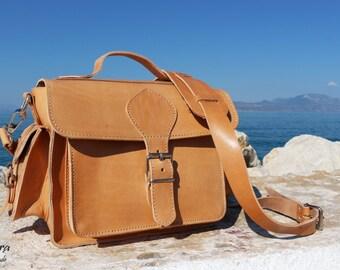 NEW Leather DSLR Camera Bag - DSLR Handmade Leather shoulder bag, plus black padded insert
