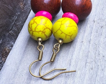 Mahogany wood earrings with dyed howlite
