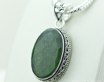 Oval Cut Emerald Corundum 925 S0LID Sterling Silver Vintage Style Setting Pendant + 4mm Snake Chain & Free Worldwide Shipping p2550