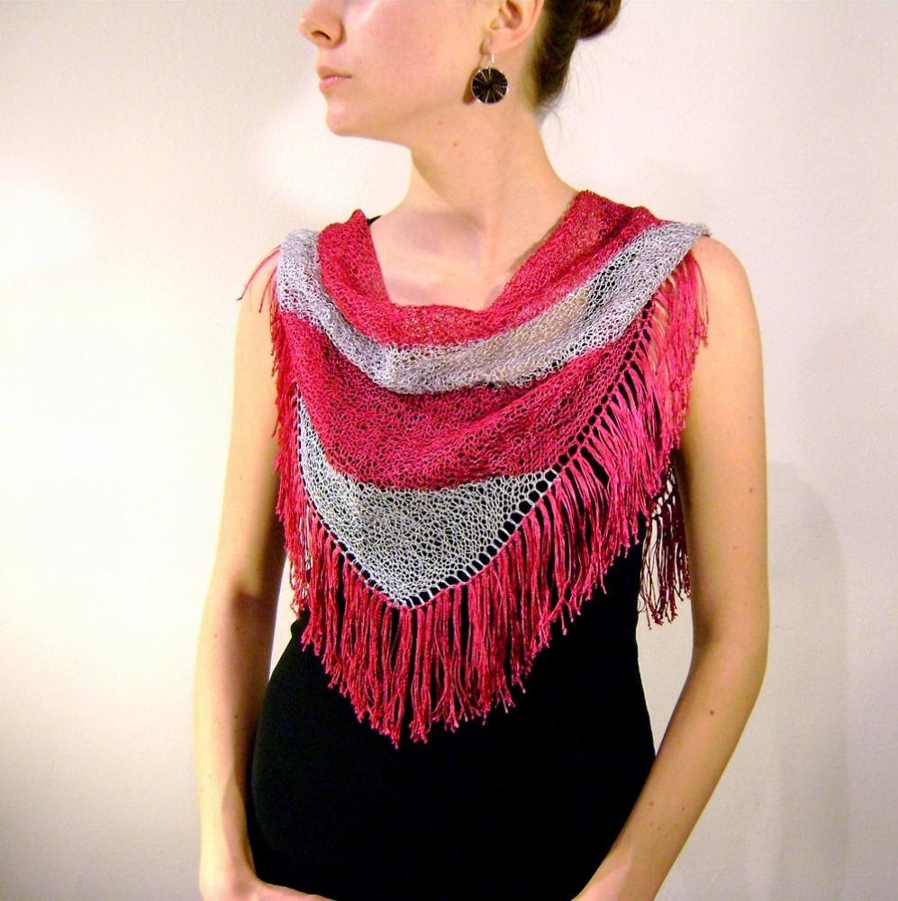 Cyclamen White Knitted Triangle Scarf / Tassels Pink Summer