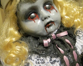 OOAK-Gothic-Zombie-Undead-Vampire-Creepy--Horror-Hand-Painted-Porcelain-Doll-Lenore