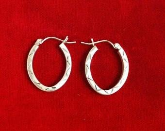 14 K Yellow Gold Beautiful Hoop Earrings. 1.55 Gm.