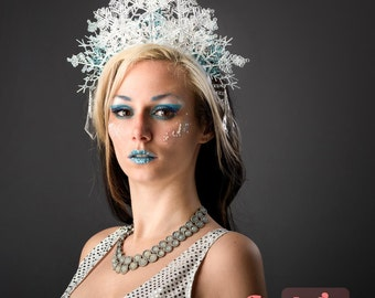 Snow Flake Ice Halo White Queen Crown Fairy Princess Headdress Frozen Maiden Winter Lady Fascinator Blue Headpiece Costume Party Headband