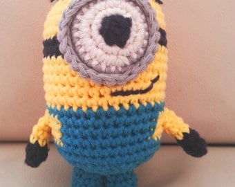 One-Eyed Minion Crochet Kit with free Minion gift
