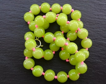 Lime green and neon pink chunky glass beaded necklace