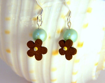Spinning Wood Flower and Mint Pearl Dangle Earrings