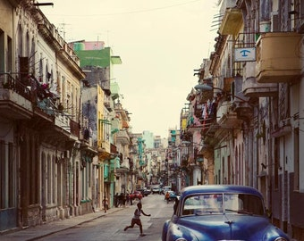 Cuba Photography, Cuba Wall Art, Central Havana Cuba, Street Photography, Vintage Car, Travel Photography, Cuba Print - La Habana