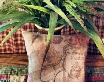 Printed VINTAGE SEWING COLLAGE Pillow Tuck