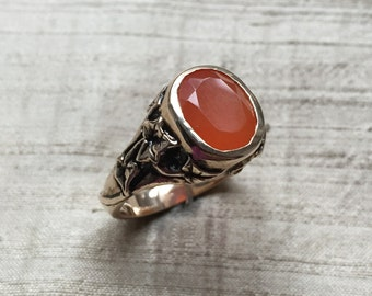 The Ivy Ring with Carnelian and Bronze