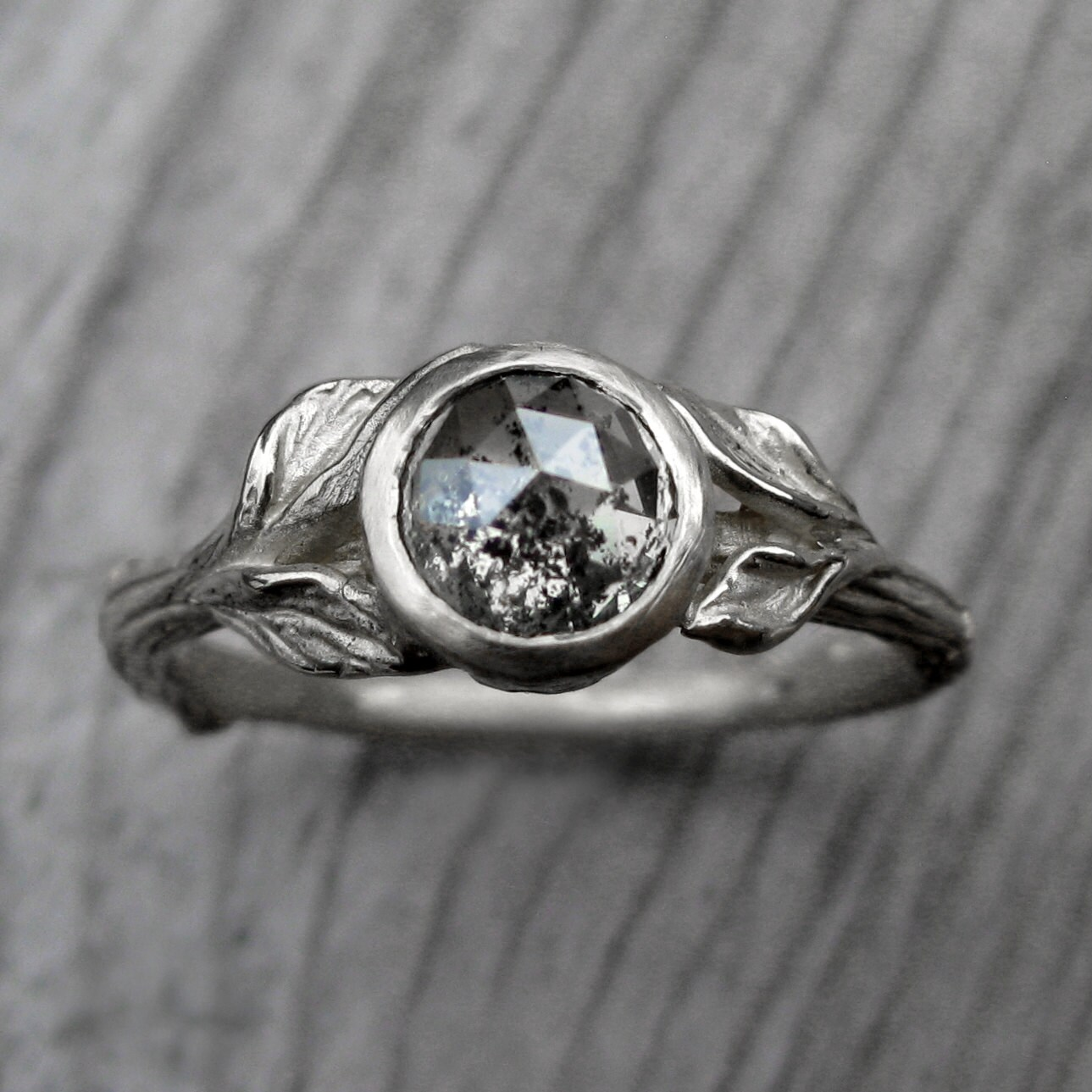 ... Rustic Diamond Ring. 🔎zoom