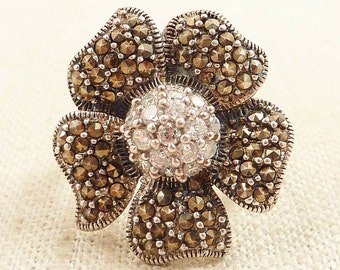 Size 9 Vintage Marcasite and Glass Sterling Flower Ring