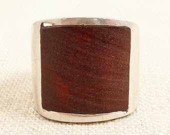 Size 8 Vintage Handmade Sterling and Wood Ring