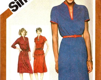 Slash Funnel Neckline Stretch Knit Dress Top and Skirt Simplicity 9833 Sewing Pattern Misses Size 10 Bust 32.5