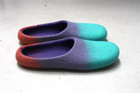 """Chewing"""" Felted wool slippers made to order"""