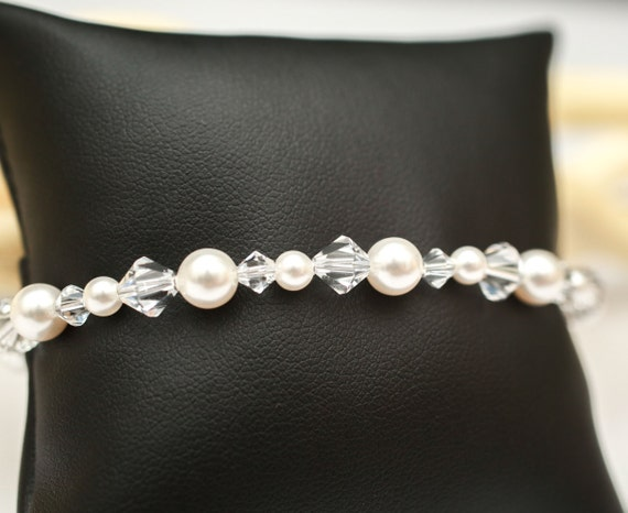 Bridesmaid Jewelry Bridal Party Gift,  Pearl and Crystal Wedding Bracelet Sierra