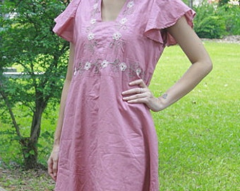 SALE 29 USD--B016--Cotton blouse with cute flowers embroidery
