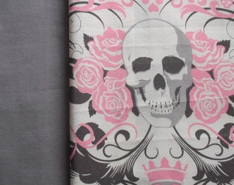 Seat Belt Cover - Pink Pirate with Grey on reverse.
