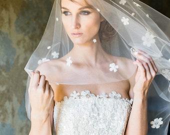 Bridal Drop Veil, Simple Veil, Bridal Chapel Veil, 2 Tier Fingertip Veil, Double Tier Veil, Veil With Blusher, Cathedral Drop Veil, Daisy