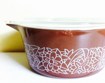 Vintage Pyrex Covered Casserole, Woodland Brown, 1.5 QT.