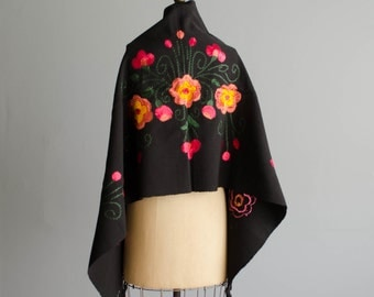 Vintage 1950s Embroidered Shawl - 50s Silk Floral Wrap - Mystique Floral Shawl