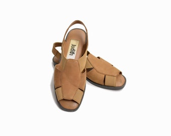 Vintage Leather & Elastic Fisherman Sandals in Fawn - size 7
