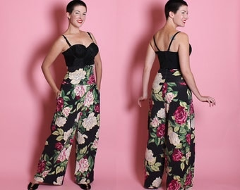 FABULOUS 1940's Inspired High Waisted Wide Leg Stretch Cotton Palazzo Pants in Huge Rose Print by Designer Betsey Johnson Punk Label - M / L