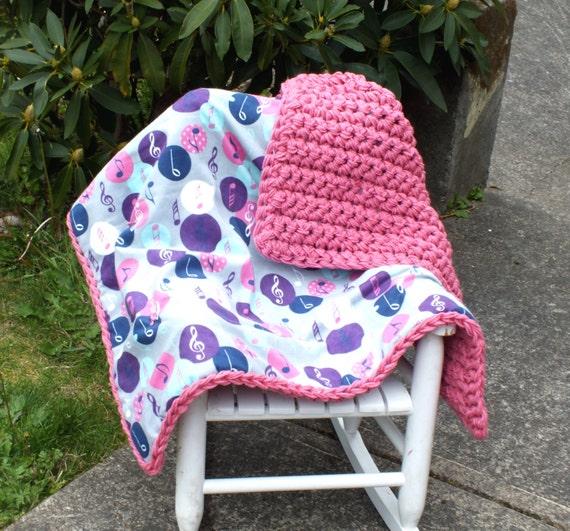 couverture b b fille au crochet couverture b b violet rose. Black Bedroom Furniture Sets. Home Design Ideas