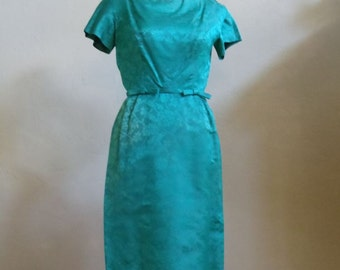 """Vintage 60's Short Sleeved Fitted Emerald Green Dress with Matching Elbow-Length Jacket Bust 34"""" Waist 24"""""""