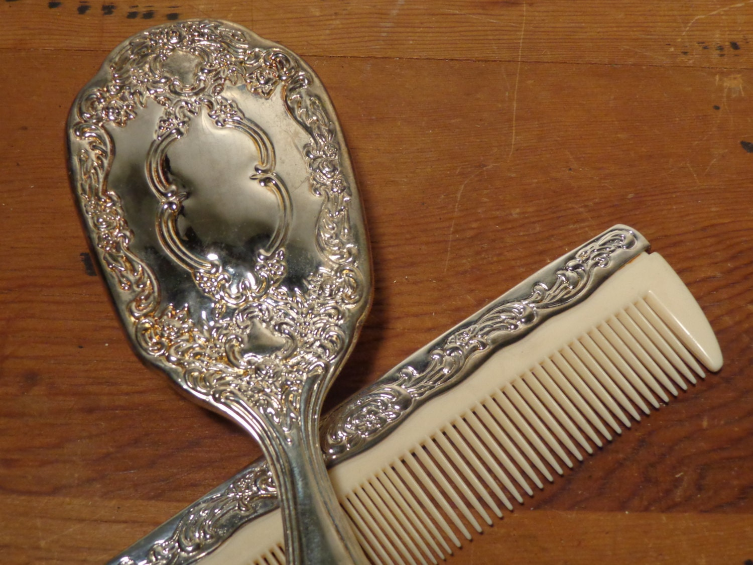 Vintage Silver Brush And Comb Vanity Set 15 339