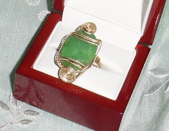 32 ct Natural Oval faceted cut Emerald gemstone, 14kt yellow gold Ring size 9